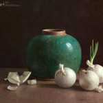 Gingerpot and white onions on dark background