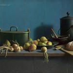 Stilleven met fruit en brood tegen blauw